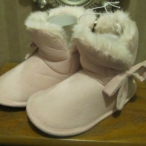 Betta Footwear Girl's Pink Booties/slippers M (11)